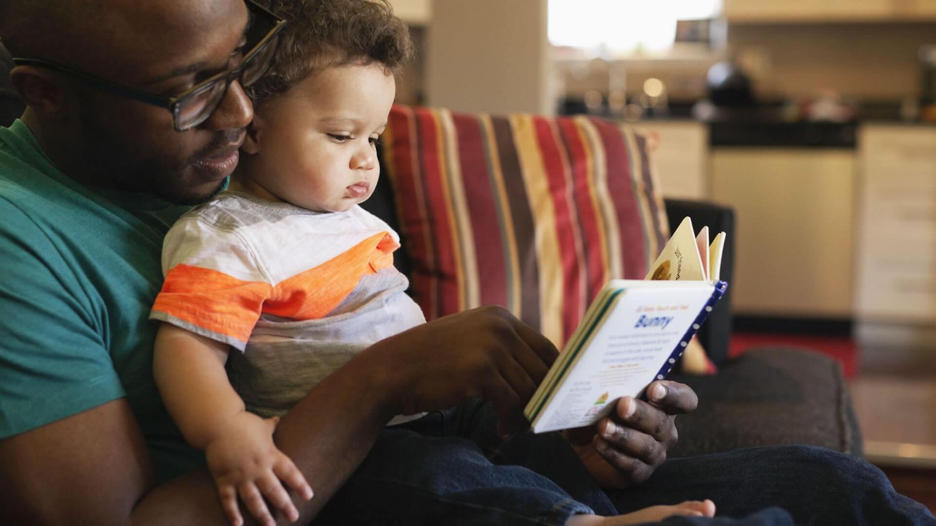 O jeito certo de ler para uma criança (ou como a literatura pode fazê-las crescerem com sucesso)